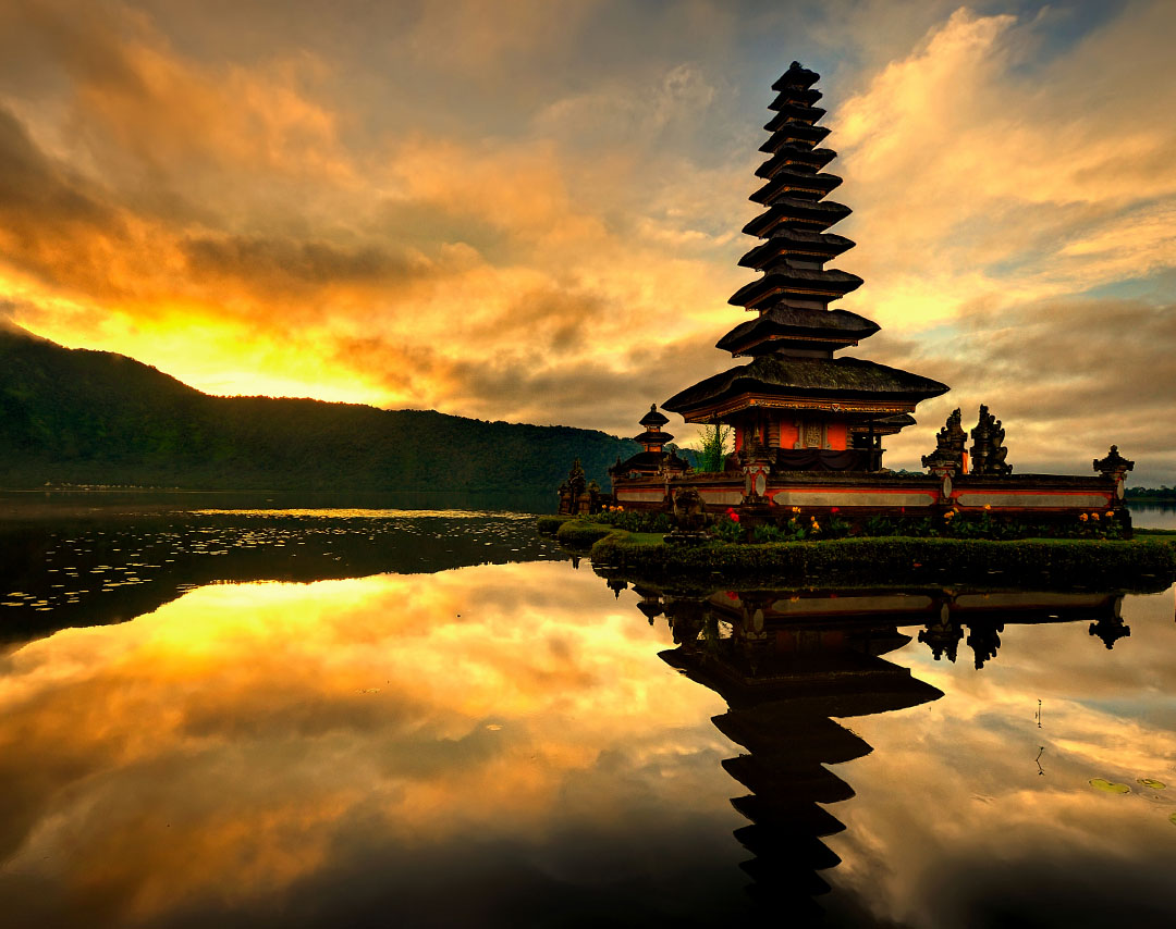 Flights from Ho Chi Minh City to Denpasar Bali as low as ₫3,861,006